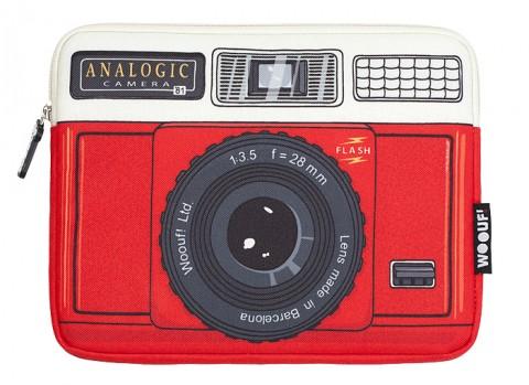 woouf-barcelona-analogic-red-laptop-sleeve-macbook-pro-4-producto-mini-205x150
