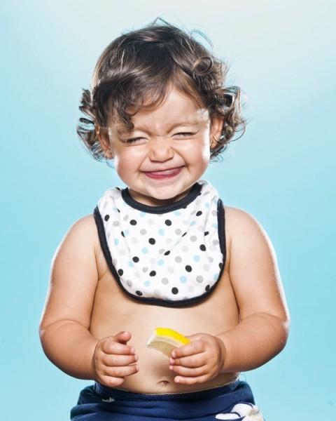 niños-probando-limon12