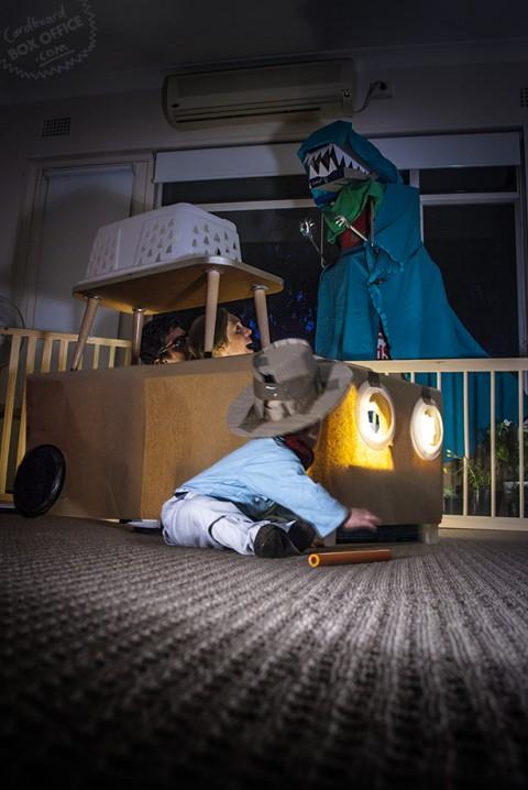 padres que recrean escenas de pelis con su bebe jurassic park
