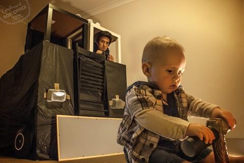 padres que recrean escenas de pelis con su bebe terminator