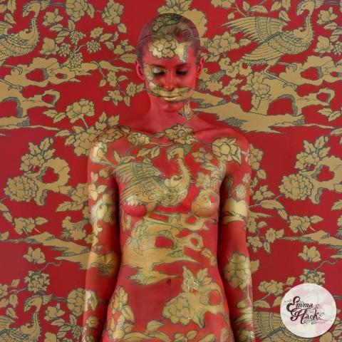 body painting emma hack mis gafas de pasta21