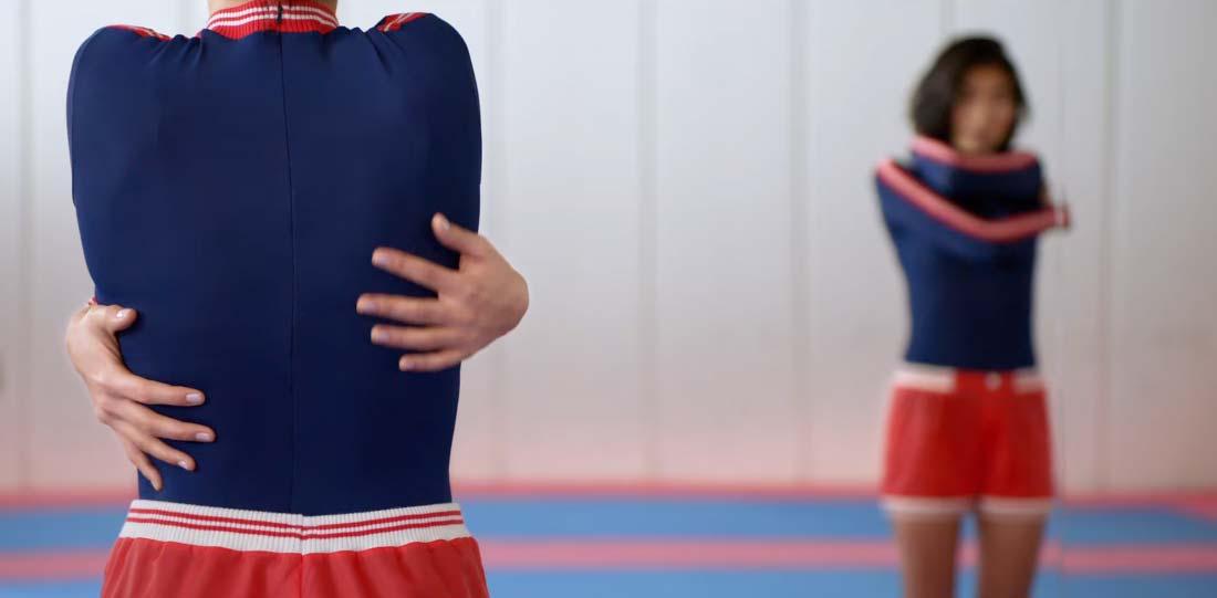 campaña ropa deportivo björn borg chica abrazandose