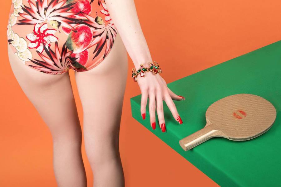 las fotografías coloristas de aleksandra kingo molan. mesa de pin-pón
