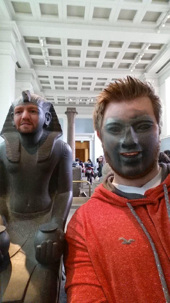 face swap museo britanico mis gafas de pasta03