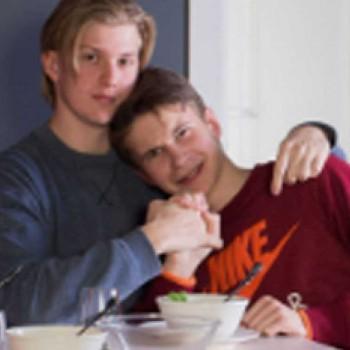 catalogo-de-ikea-pareja-gay-rusia-mis-gafas-de-pasta-destacado