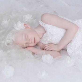 yulia-taits-albinos-mis-gafas-de-pasta-destacado