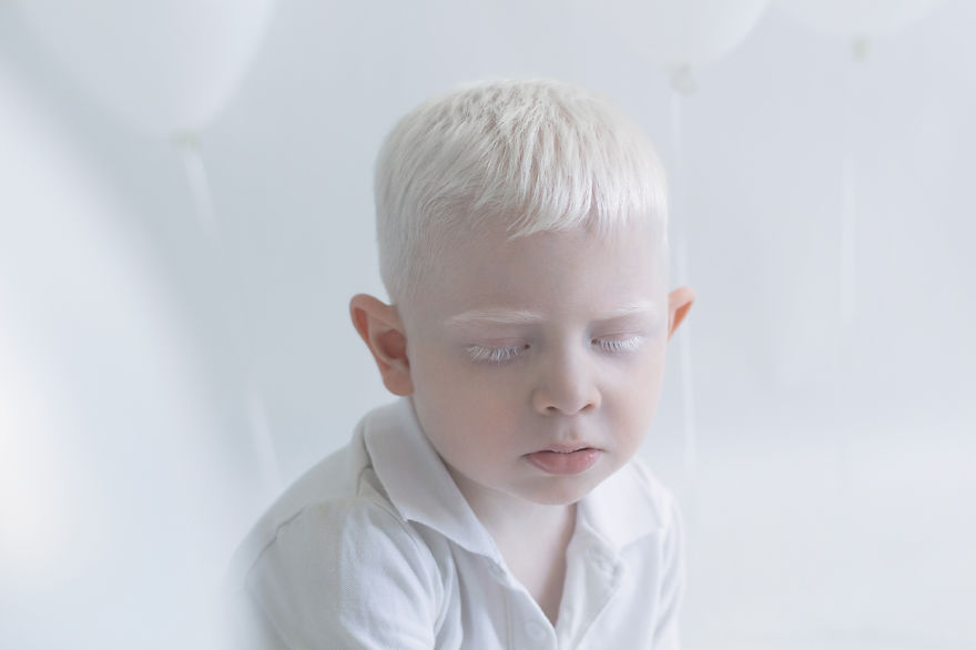 yulia taits albinos mis gafas de pasta09