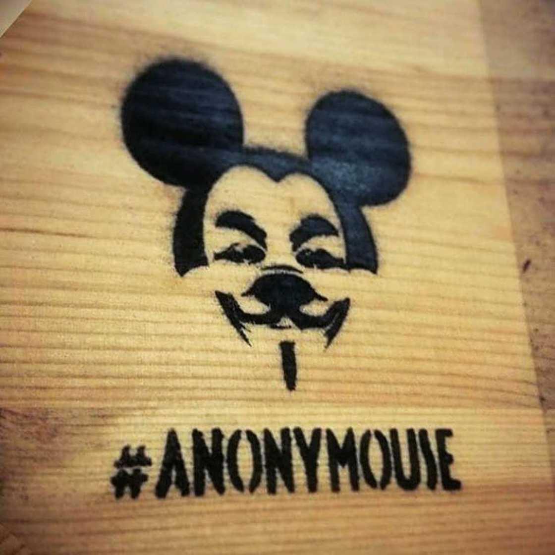 anonymouse-tiendas-en-miniatura-mis-gafas-de-pasta19