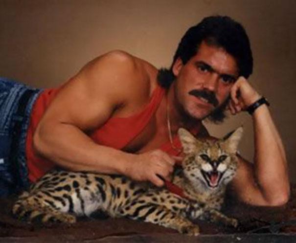 hombres raros con gatos mis gafas de pasta08