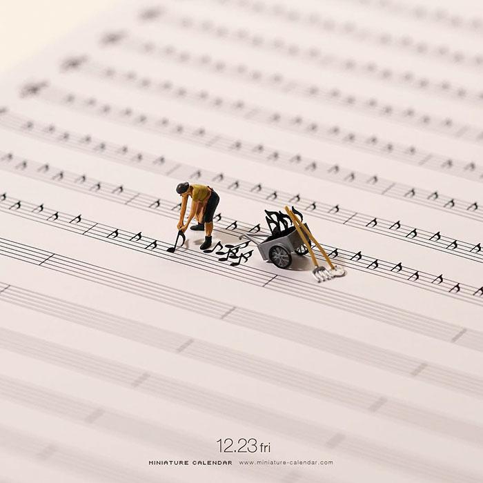 miniature calendar mis gafas de pasta01