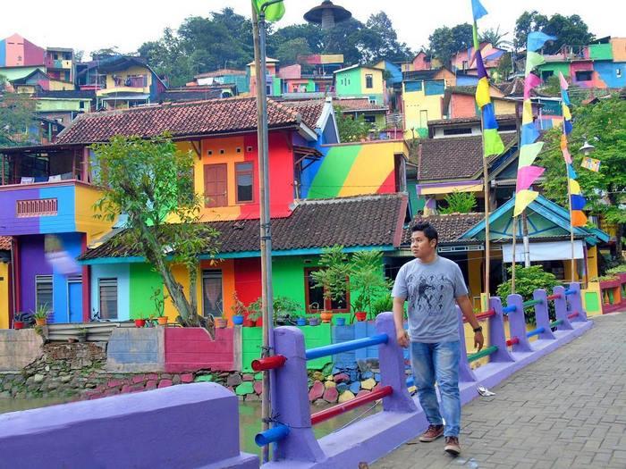 ciudad arco iris kampung pelangi indonesia mis gafas de pasta06