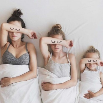 una-madre-y-sus-dos-hijas-mis-gafas-de-pasta-destacado