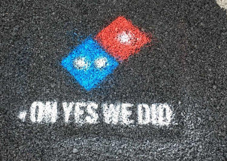 dominos pizza paving for pizza mis gafas de pasta04
